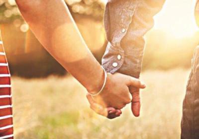 Má způsob chození vliv na úspěšnost manželství?